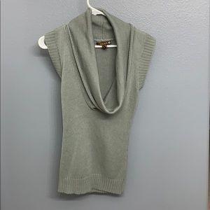 Low neck sleeveless sweater - Gray